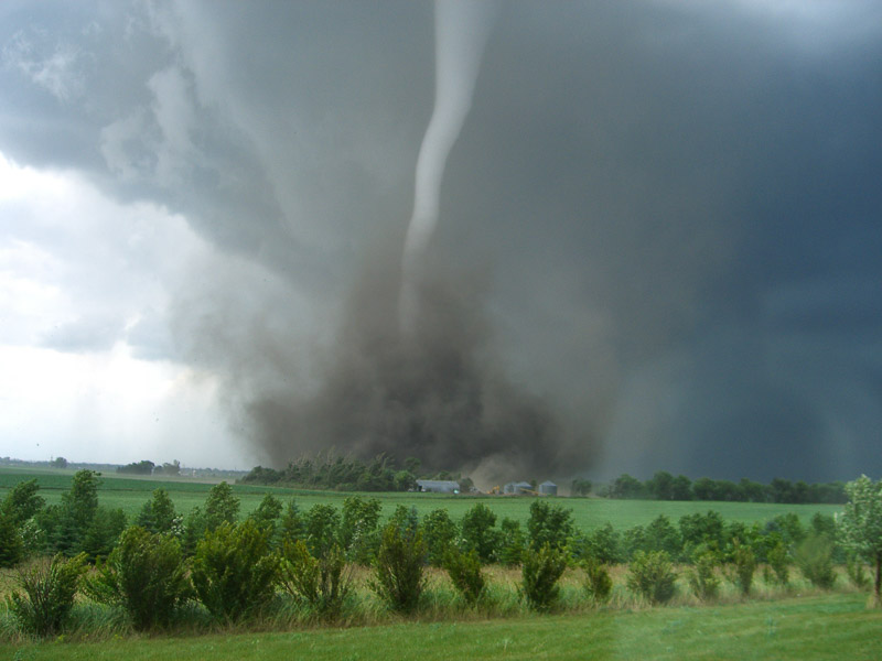 tornadoes that come from a supercell thunderstorm are the most common and often the most dangerous