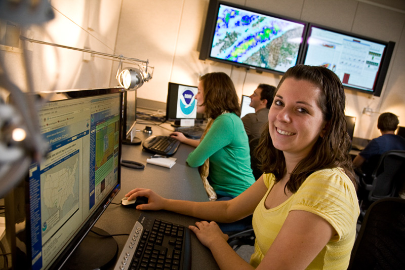 Student researcher in the NSSL Development Lab